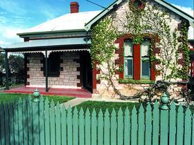 Naracoorte Cottages - Smith Street Villa - Taree Accommodation