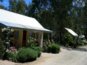 Riesling Trail Cottages - Taree Accommodation