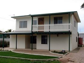 Louth Bay Holiday Apartment - Taree Accommodation