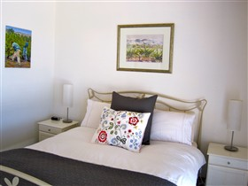 ArtWine Cottages - Taree Accommodation