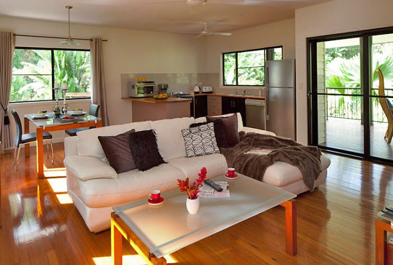 Misty Mountains Tropical Rainforest Romantic Retreat - Taree Accommodation