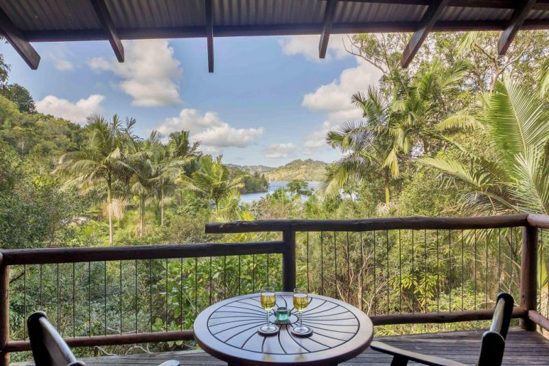 Secrets on the Lake - Taree Accommodation