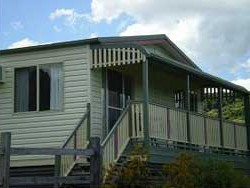 Halls Country Cottages - Taree Accommodation