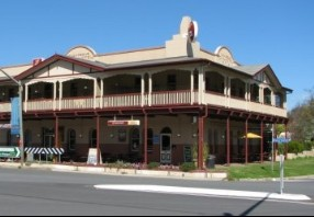 The Royal Hotel Adelong - Taree Accommodation
