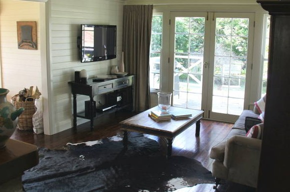 Book Barn Cottage - Taree Accommodation