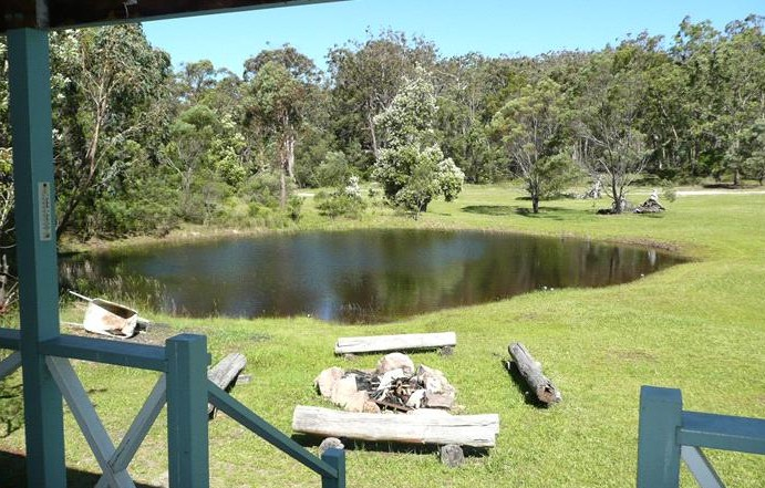 Possums Hollow and Hooters Hut - Taree Accommodation