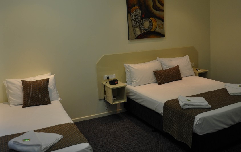 Bluewater Harbour Motel Bowen - Taree Accommodation