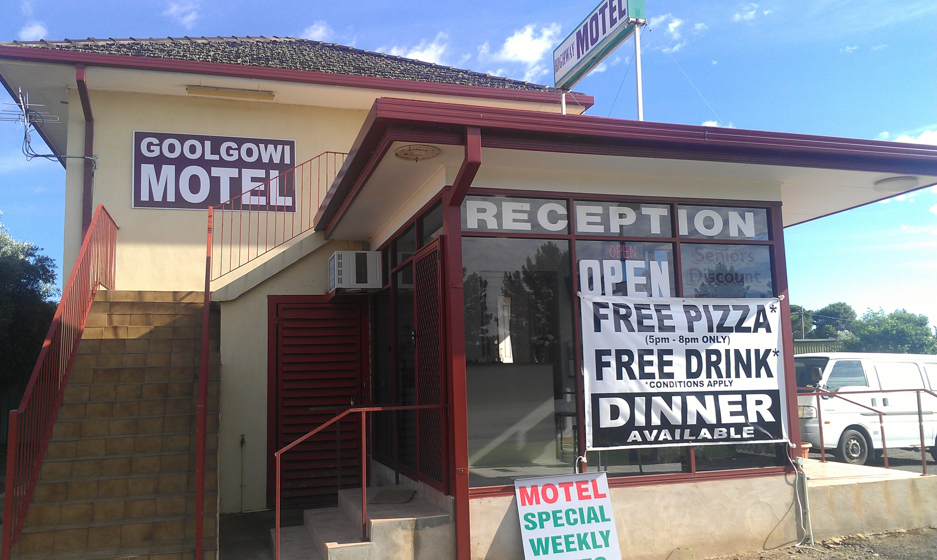 Royal Mail Hotel Goolgowi - Taree Accommodation