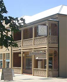 Cobb  Co Court Boutique Hotel - Taree Accommodation