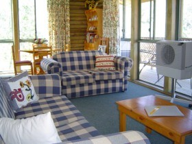 Myrtle Creek Cottages - Taree Accommodation