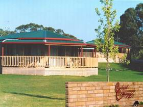 Carolynne's Cottages - Taree Accommodation