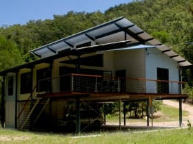 Creek Valley Rainforest Retreat - Taree Accommodation