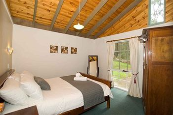 Hill aposNapos Dale Farm Cottages - Taree Accommodation