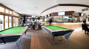 High Flyer Hotel - Taree Accommodation
