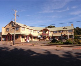 Parer's King Island Hotel - Taree Accommodation