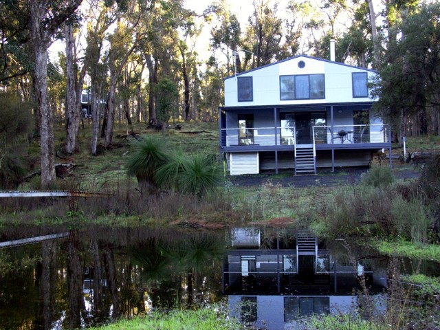 Hidden Grove Retreat - Taree Accommodation