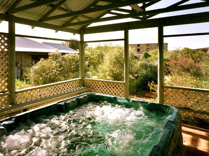 Rock of Ages Cottage BB - Taree Accommodation