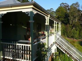 The Sanctuary Springbrook. Guest House / Cottage - Taree Accommodation