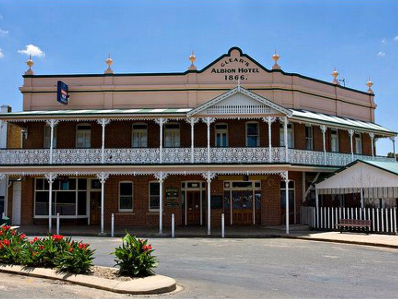 Albion Hotel Grenfell - Taree Accommodation