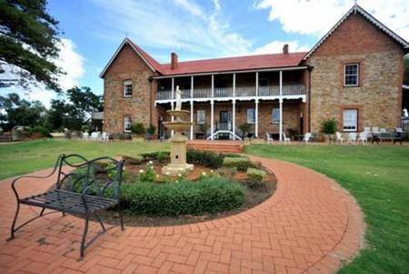 Faversham House York - Taree Accommodation