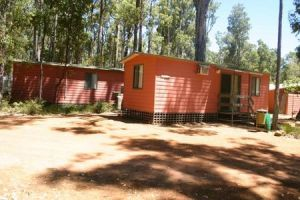 Dwellingup Chalets And Caravan Park - Taree Accommodation
