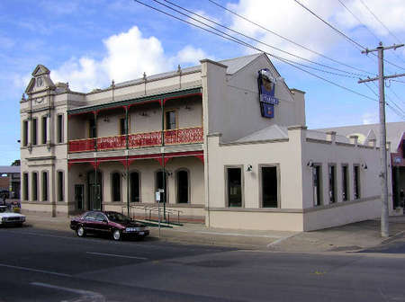 Mitchell River Tavern - Taree Accommodation