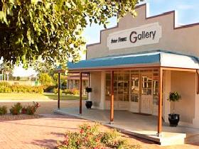 Peter Franz Fine Art Gallery - Taree Accommodation