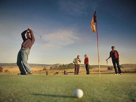 Ratho Farm  Golf - Taree Accommodation