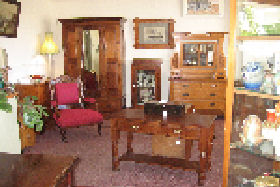 New Norfolk Antiques - Taree Accommodation