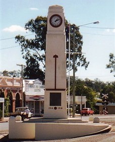 Goomeri War Memorial Clock - Taree Accommodation