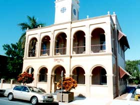 Mackay Town Hall - Taree Accommodation