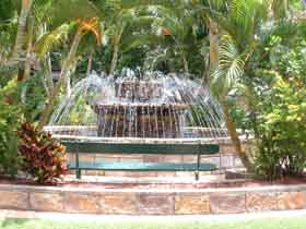 Bauer and Wiles Memorial Fountain - Taree Accommodation