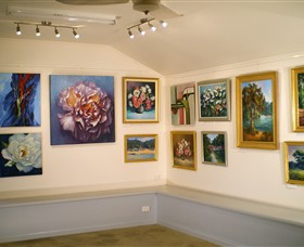 Ros McArthur Art Studio - Taree Accommodation
