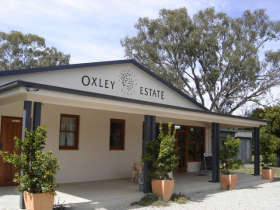 Ciavarella Oxley Estate Winery - Taree Accommodation