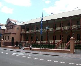 Parliament House - Taree Accommodation