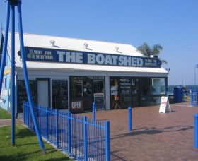 Innes Boatshed - Taree Accommodation