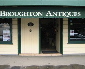 Broughton Antiques - Taree Accommodation