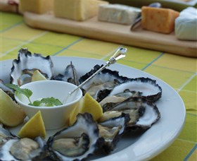 Oyster Shed on Wray Street - Taree Accommodation