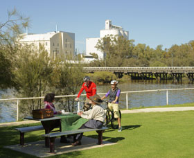 Avon River - Taree Accommodation