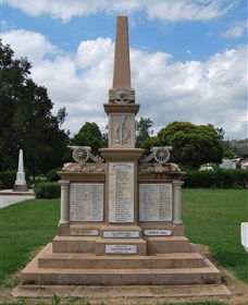 Boer War Memorial and Park Allora - Taree Accommodation