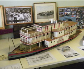Wentworth Model Paddlesteamer Display - Taree Accommodation