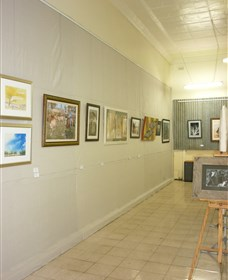 Outback Arts Gallery - Taree Accommodation