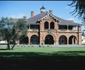 Yanco Agricultural High School - Taree Accommodation