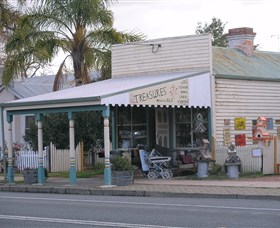 Lady Gails Bookshop and Curios - Taree Accommodation