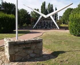 Southern Cloud Memorial - Taree Accommodation