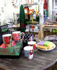 The Famous Tinonee Cafe and Gift Shop - Taree Accommodation
