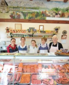Mentges Master Meats - Taree Accommodation