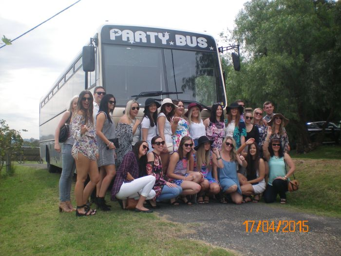 R  R Bus and Leisure Hire - Taree Accommodation