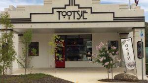 Tootsie Fine Art and Design - Taree Accommodation