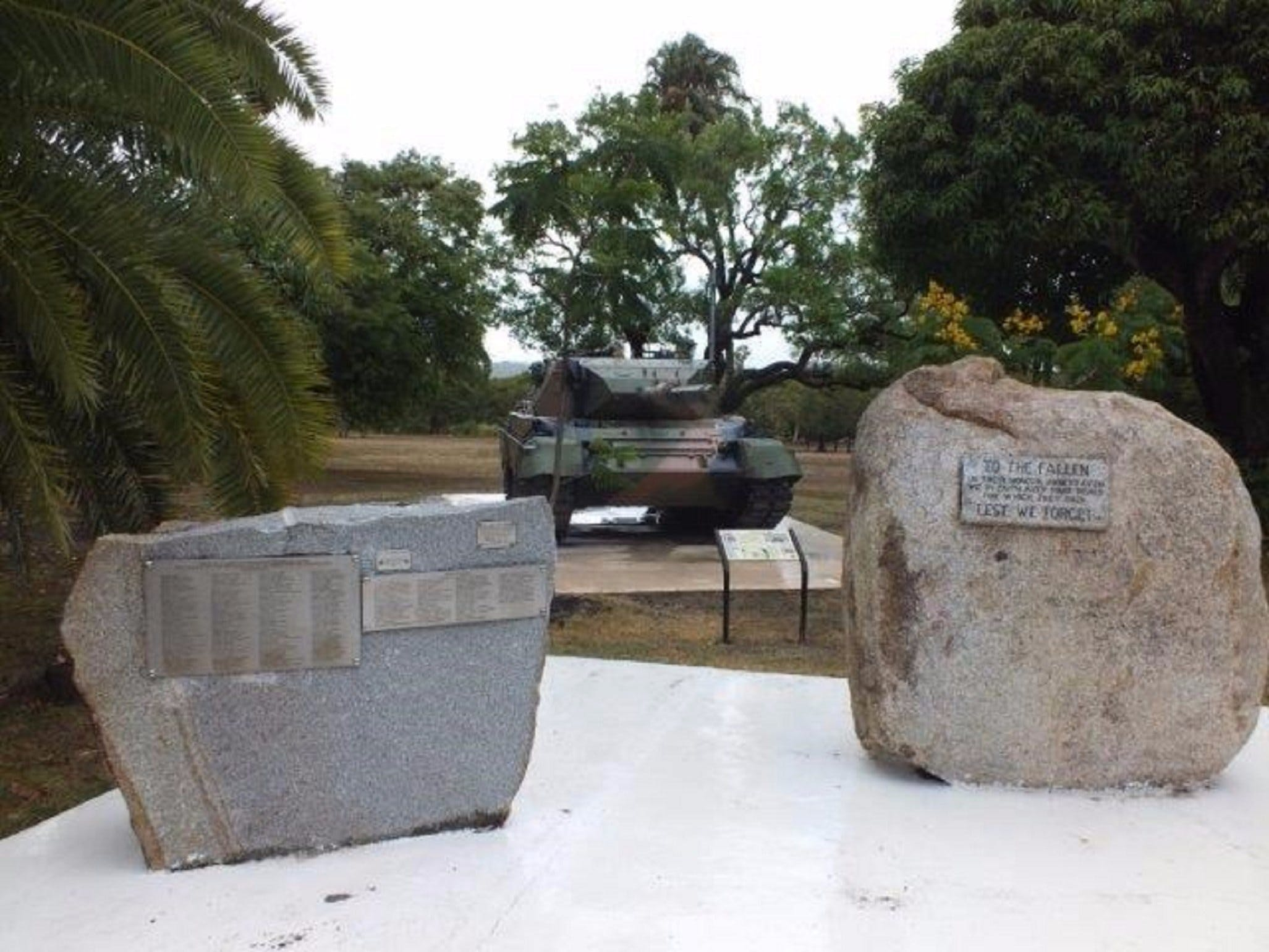 Cooktown War Memorial - Taree Accommodation